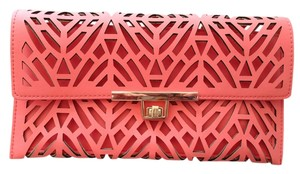 Other Coral Clutch
