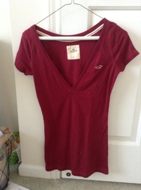 Hollister T Shirt Maroon