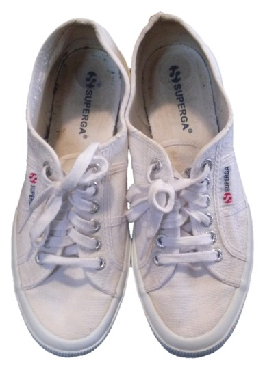 Preload https://item5.tradesy.com/images/superga-white-flats-size-us-9-wide-c-d-3553219-0-0.jpg?width=440&height=440