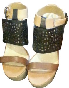 Steve Madden 8.5 BLACK AND CREAM AND TAN Wedges