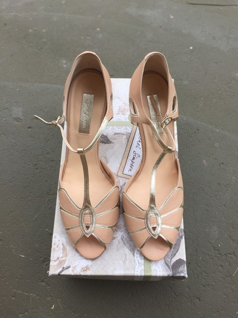 Item - Blush Mimosa T-strap Formal Size US 8.5 Regular (M, B)