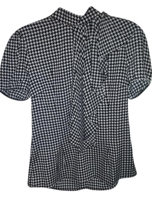Preload https://item2.tradesy.com/images/sioni-top-black-and-white-houndstooth-3556936-0-0.jpg?width=400&height=650