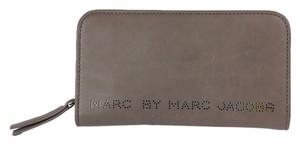 Marc by Marc Jacobs Wallet Leather Warm Iron (Brown) Clutch