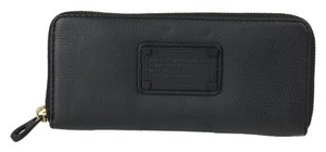Marc by Marc Jacobs Zip Around Leather Black Clutch