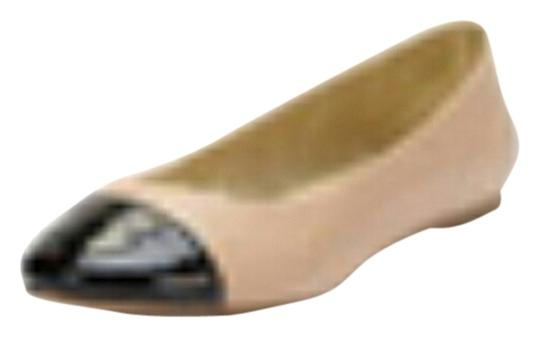 Preload https://item2.tradesy.com/images/seychelles-nudeblack-flats-size-us-11-3559366-0-0.jpg?width=440&height=440