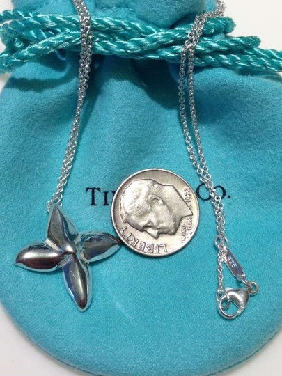 Tiffany & Co. Flower Necklace 16 inch Silver Flower