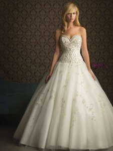 Allure Bridals Ivory Tulle 8753 Traditional Wedding Dress Size 12 (L)
