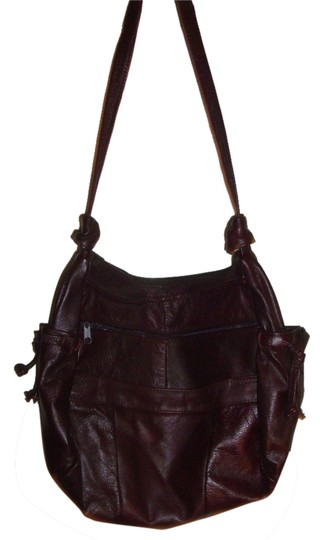 Preload https://item1.tradesy.com/images/burgundy-leather-shoulder-bag-3560665-0-0.jpg?width=440&height=440