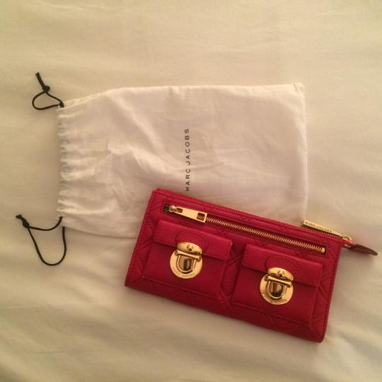 Marc Jacobs Marc Jacobs Red Quilted Zip Clutch C393413