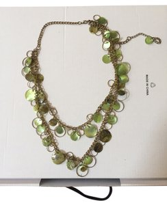 Double layered necklace with green details