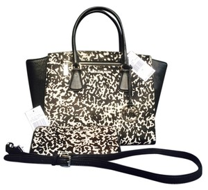 Michael Kors Satchel in Black & White