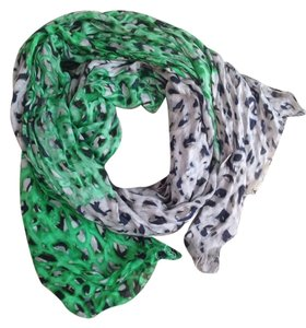 Pringle of Scotland Versatile Scarf