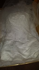 Anjolique Diamond White Polyester Blend Wedding Dress Size 8 (M)