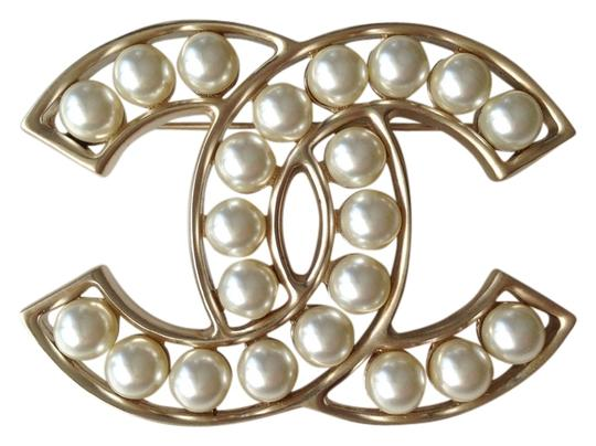 Preload https://item1.tradesy.com/images/chanel-gold-brooch-with-pearls-new-collection-fw-2015-16-3566725-0-2.jpg?width=440&height=440