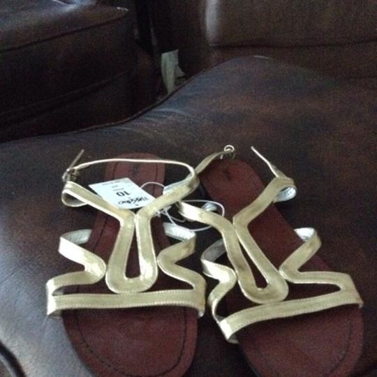 Mossimo Supply Co. Gold Metallic Sandals
