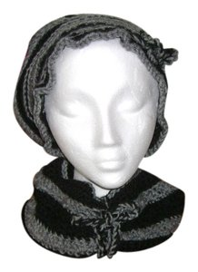 Other New hat and neck warmer sets