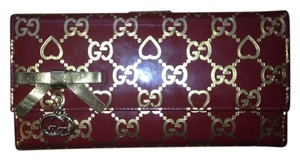 Gucci Gucci G Gold Hearts Wallet
