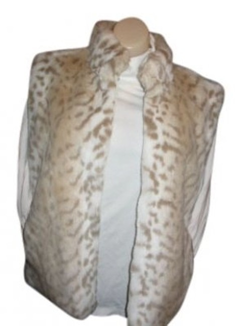 Preload https://item1.tradesy.com/images/giacca-snow-leopard-rn36232-vest-size-14-l-35720-0-0.jpg?width=400&height=650