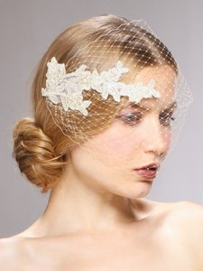 Mariell French Netting Bandeau Bridal Veil With Vintage Lace 3911v