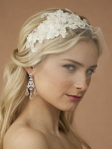 Mariell Handmade Wedding Headband With Ivory European Lace Applique & Petite Veil 4090hb-i