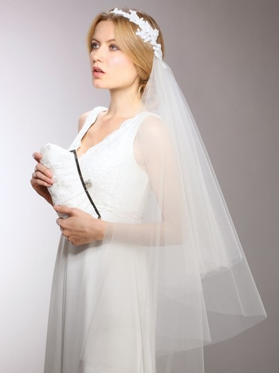 Mariell White Medium Couture Cascading 1-sided with Lace Garland Headband 3939v-w Bridal Veils