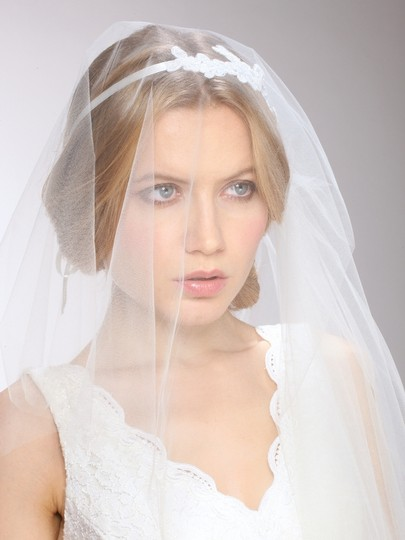 Mariell White Medium Couture Cascading 1-sided with Lace Garland Headband 3939v-w Bridal Veil