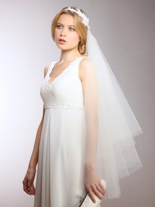 Mariell Couture Cascading 1-sided Bridal Veil With Ivory Lace Garland Headband 3939v-i