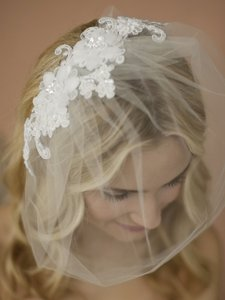Mariell Double Flower White Lace Applique On Handmade Tulle Birdcage Blusher Veil 4100v-w