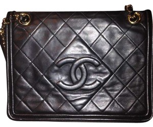 Chanel Lambskin Vintage Monogramm Made In Italy Chain Link Shoulder Bag