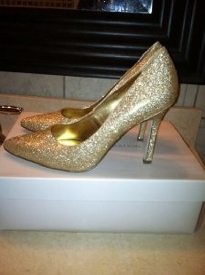 BCBGeneration Gold/Glit Pumps