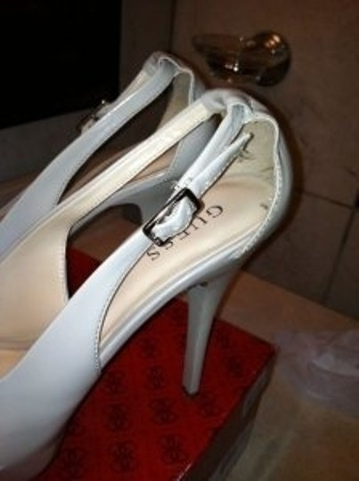 Guess Gwhondo3 Nude/ LIGHT NATURAL Pumps