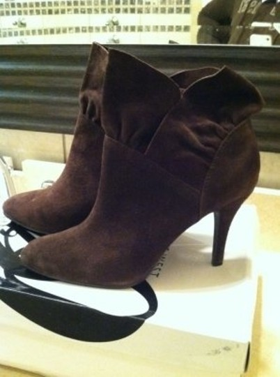 Nine West brown- suede Boots