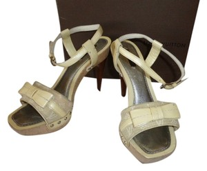 Louis Vuitton TAN LOGO CANVAS PATENT LEATHER BEIGE Mules