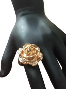 Rose Flower Designed Ring In Rose Gold