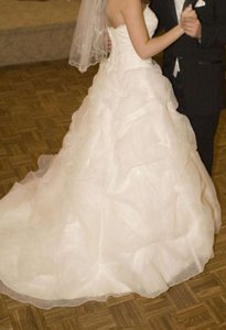 Oleg Cassini 8cv189 Wedding Dress