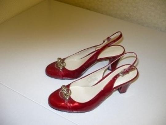 Liz Claiborne Cranberry Red Pumps