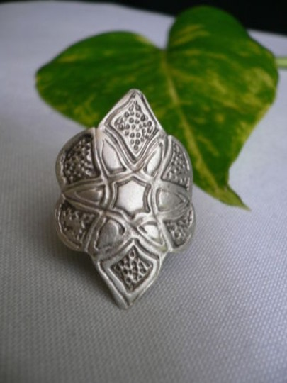Other Women Ring Fashion Silver Metal African Style Corved Flower Adjustable