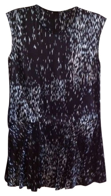 Preload https://item1.tradesy.com/images/theory-above-knee-workoffice-dress-size-0-xs-359415-0-0.jpg?width=400&height=650