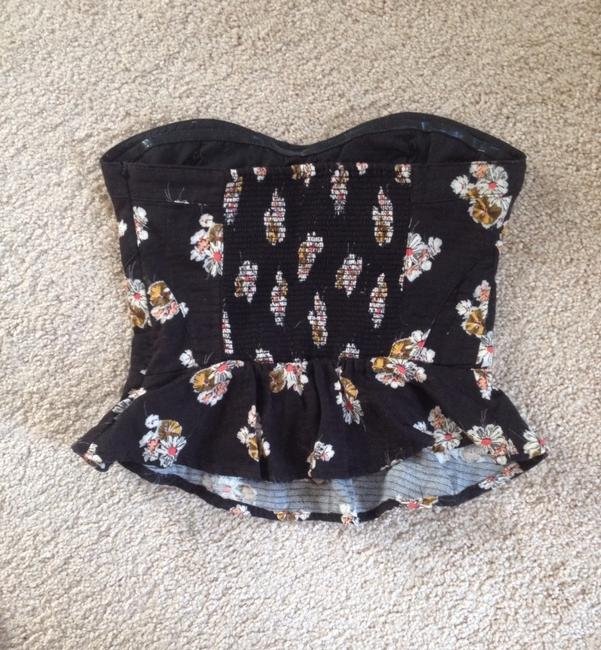 Preload https://item1.tradesy.com/images/urban-outfitters-blackfloral-blouse-size-0-xs-359520-0-0.jpg?width=400&height=650
