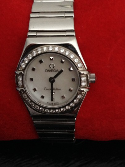 Preload https://img-static.tradesy.com/item/35977/omega-stainless-stell-with-mother-of-pearl-diamond-face-ladies-constellation-watch-0-0-540-540.jpg