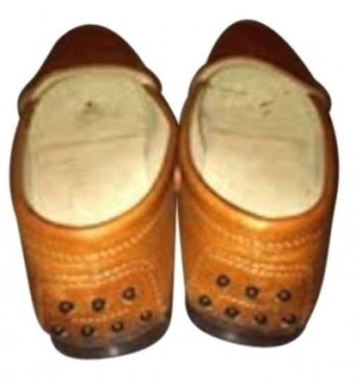 Preload https://item5.tradesy.com/images/tod-s-brown-leather-loafer-flats-size-us-5-regular-m-b-35999-0-0.jpg?width=440&height=440