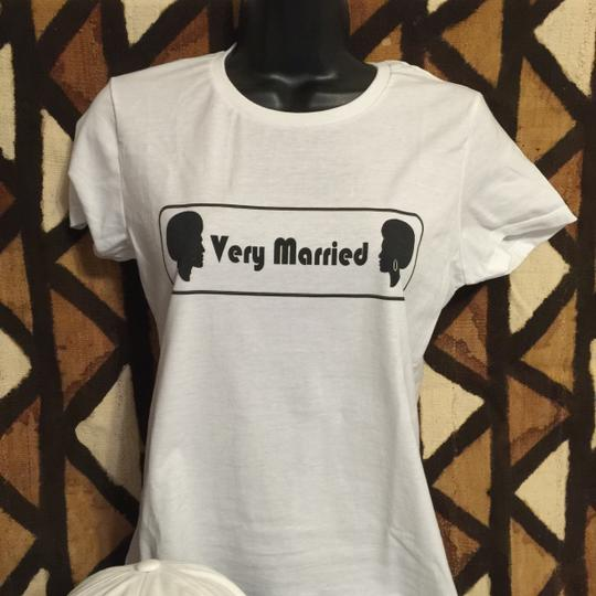""""""" Very Married """" Ladies Small T-shirt (afrocentric Style)"""