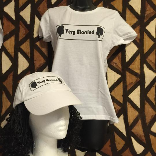 """ Very Married "" Ladies Small T-shirt (afrocentric Style)"