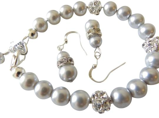 Handmade Pearl bridesmaid jewelry Set of 4, Bridesmaid Bracelets and Earrings, Rhinestone Jewelry, Wedding Jewelry Set, Bridal Jewelry