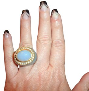 Angelique de Paris Angelique de Paris 18k yellow gold rezin large cabochon halcedony and aqua ring