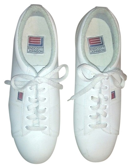 Preload https://item4.tradesy.com/images/white-women-leather-bowling-sneakers-size-us-9-regular-m-b-3615988-0-0.jpg?width=440&height=440