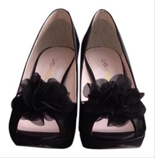 Caparros Black Pumps