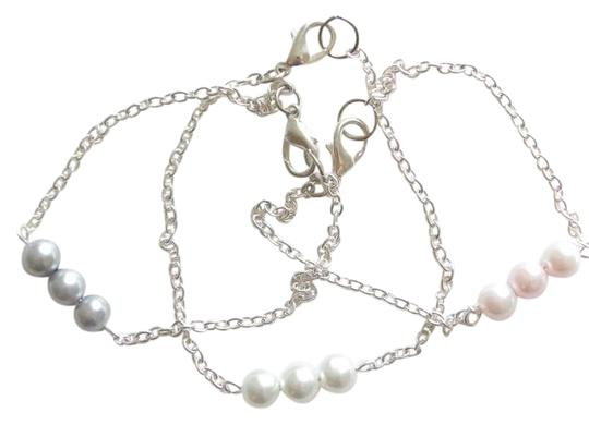 Preload https://item2.tradesy.com/images/pink-grey-white-pearl-bridal-pearl-bridesmaid-gift-crystal-pearl-bracelet-362026-0-0.jpg?width=440&height=440
