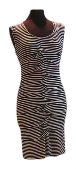 Preload https://item5.tradesy.com/images/nicole-miller-black-and-white-ba0525-knee-length-short-casual-dress-size-12-l-3620329-0-0.jpg?width=400&height=650