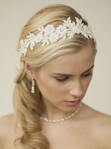 Mariell Ivory Lace Applique Garden Wedding Headband With Meticulous Edging 4101hb-i